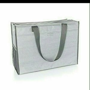 Deluxe organizing utility tote by 31